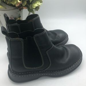 Born Boots - Size 61/2 wide